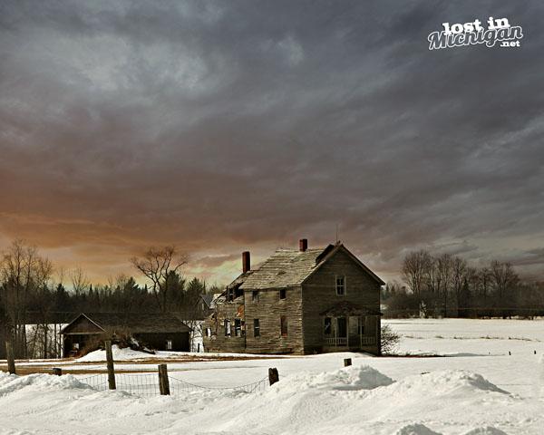abandoned michigan farm house